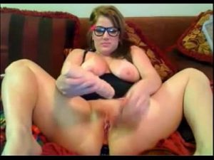Slutty Fat Lady With Hot Saggy Boobs Wants To Play On Cam