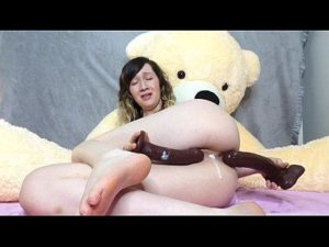 Plump Cam Woman Lexa Double Penetrates Herself With Her Toys