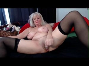 Filthy Mature Woman Bangs Her Pussy With A Dildo On Cam