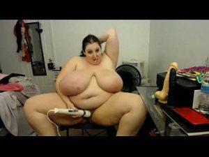 Naughty BBW Mara Jane Masturbates On Free Webcam