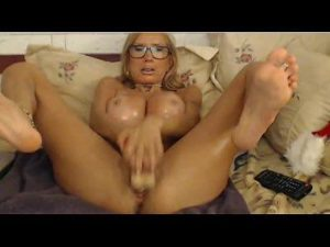 Spoiled Mature Cam Woman Toys Her Pussy And Ass Vigorously