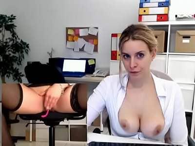 Zesty Blonde Cam Milf Rubs Her Cunt At Work